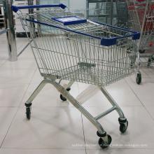 Trole de compras usado supermercado do fio de metal