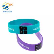 Bracelet de bracelet en silicone large debossed personnalisé avec couleur remplie