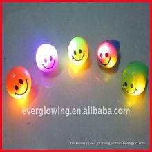 Anel LED de luz com cara de sorriso