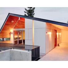 Beau toit de cèdre en bois