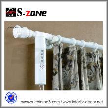 Weiße motorisierte drahtlose motorisierte Vorhänge römische Stange setzt Motor für elektrischen Vorhang