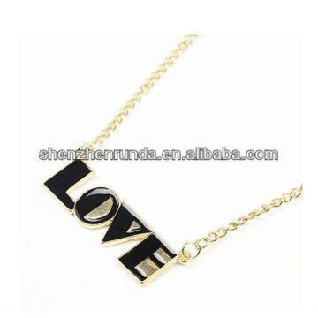 Nouveau produit LOVE Letter Pendant for Women Pendant Fabrication