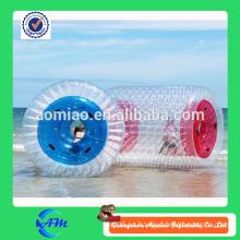 Bola de funcionamiento inflable del agua del juego del deporte de la playa, rodillo de agua de encargo de la rueda caliente de la orbe de la venta para la venta