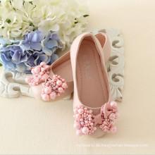 2015 populärer Beleg auf den Kindern PVC, die Schuhe von den chinesischen Fabrikfabriken herstellend Mädchen nette Schuhe bördeln
