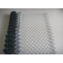 Clôture de lien de chaîne à faible prix emballée en rouleau et en morceaux