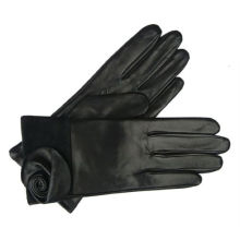 Black Leather Glove with Leather Flower on The Cuff (SW473)