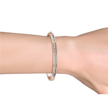 Wholesale Famous Cuff Bracelet 18K Gold Plated Customize Bangle Women Made with High Quality Crystal