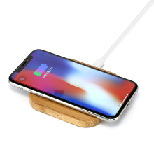 Hot sale 2021 New portable ultra-thin bamboo fast wireless charger for mobile phone charger