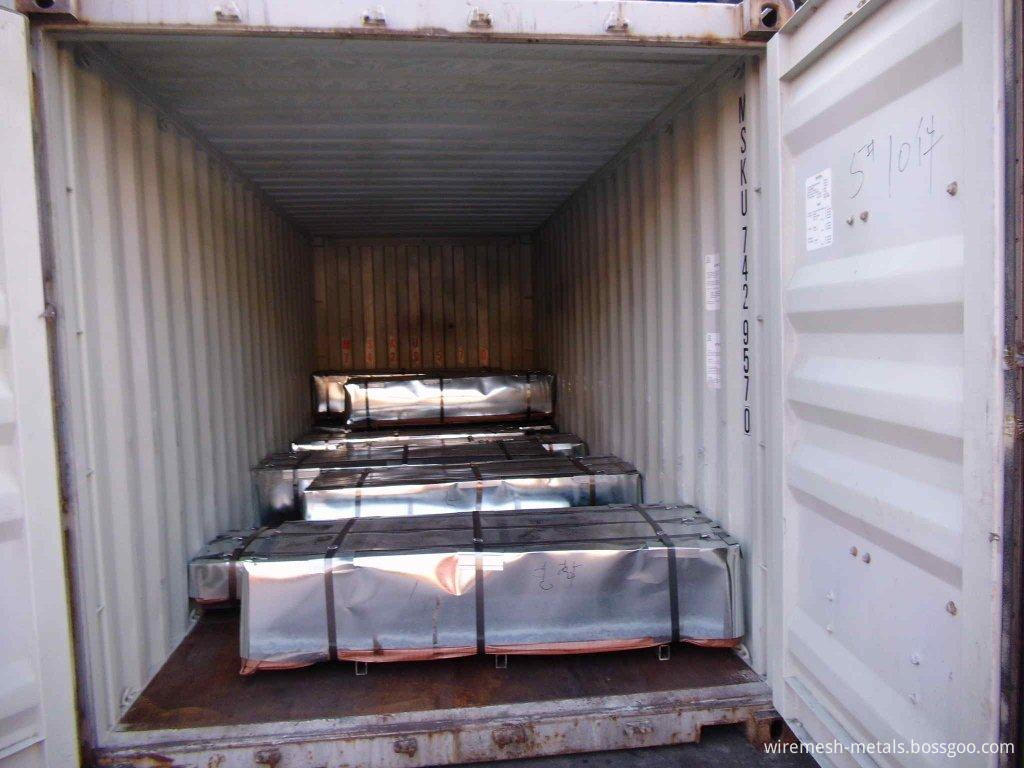 Loading roofing sheet