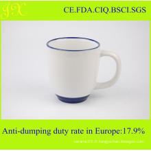 Tasse en céramique de sublimation de la FDA avec la teinture et la couleur de la poignée pour le café