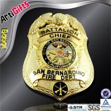 Insignia de servicios de bomberos de metal de diseño personalizado