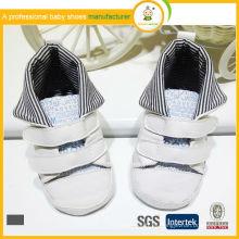 Los zapatos de los deportes del bebé calzan los zapatos baratos de los deportes del bebé del algodón de la nueva manera del estilo