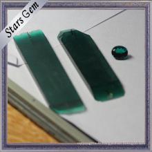 Le laboratoire vert foncé de haute qualité a créé la matière première émeraude rugueuse