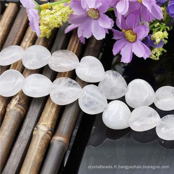 Fil de perles en coeur blanc gemme vente entière