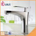 Robinet d'eau avec robinet de salle de bains de prix