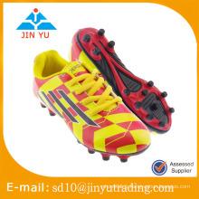Chaussures de foot bon marché et magnifique