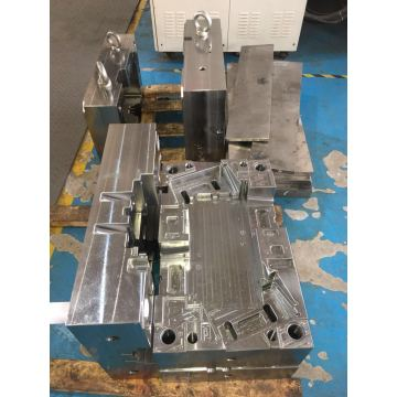 Hot runner mold design and production