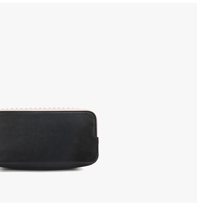 Bucket Bag With Handle 03