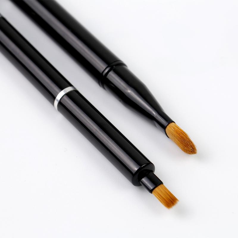 Telescopic makeup brush