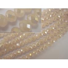 Granos de la joyería de cuentas de vidrio