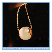 2014 modische Art und Weise einzigartiger Entwurf weißes Opalmondschein lange Halskette