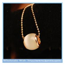 2014 mode à la mode design unique blanc opale clair de lune collier long