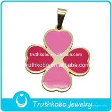 Femmes Design Nouveaux produits Mode PVD plaqué or rose et émail rouge véritable trèfle à quatre feuilles pendentif à vendre