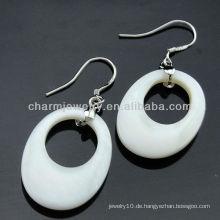 Koreanische Art echte Seeschalenohrringe weiße Farbe mit freiem Kristall FE-004