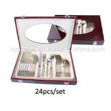 Ensemble de vaisselle / coutellerie en acier inoxydable de haute qualité 24PCS avec emballage en bois