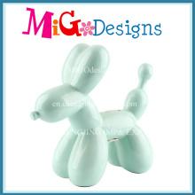 Прекрасная собака с воздушным шаром