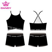 Personalização disponível em branco cheer crop tops e shorts