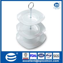 La boda o el banquete a granel cuadrado blanco puro 3 bandeja que sirve el soporte porcelana