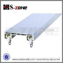 Rail en plastique PVC à double rideau avec accessoires pour camion / voiture