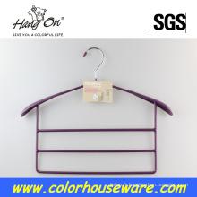 Cintre en métal coloré pour sacs à main à la maison