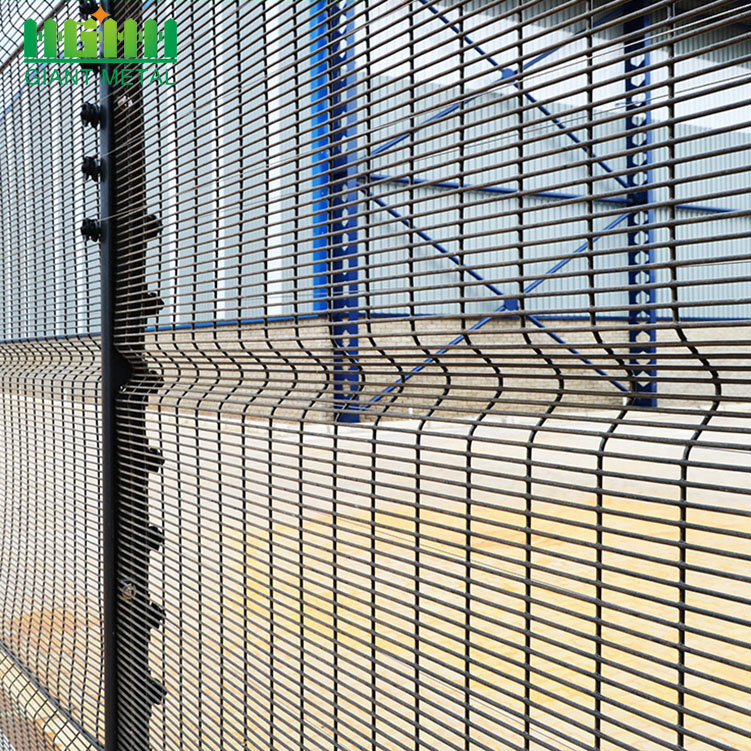 358 Galvanized High Security Farm Security Fence