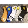 Services de haute qualité OEM hommes et femmes Custom peigné coton Happy Socks drôle