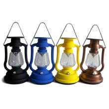 Lampe solaire de lanterne de camping rétro avec la conception de lampe de kérosène d'usine ISO9001