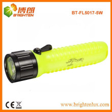 Factory Supply ABS Material 4AA Dry Battery Powerful 5W LED Diving Flashlight Torch