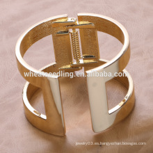 Joyería de moda Yiwu proveedor punk dorado religión creencia brazalete alambre brazalete de alambre