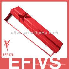Caja de joyería roja para pulseras con cinta
