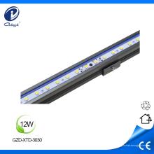 L'aluminium polychrome de RGBW a mené la lumière dure de bande
