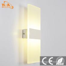 LED de acrílico de lujo junto a la lámpara de pared LED montada en la pared