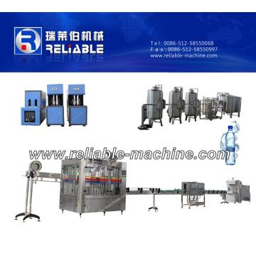 Machine de remplissage d'eau minérale naturelle en bouteille automatique