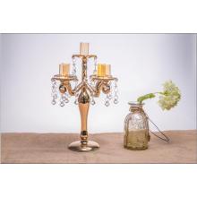Bougeoir en verre de couleur dorée pour décoration de mariage avec cinq affiches