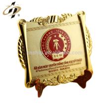 Custom embossed brass gold souvenir metal plate logo /metal logo plates