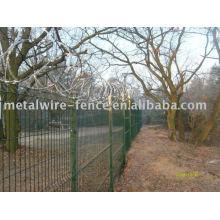 valla de hierro ornamental