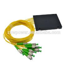 ST / APC 1 * 8 Divisor de fibra óptica del tipo del cassette, divisor de fibra óptica de FTTH