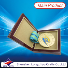 Kazakhstan Gold Round Medal Soft Enamel 3D Globe Design Medal Satin Ribbon with Medal Wood Box (lzy2013-00003)