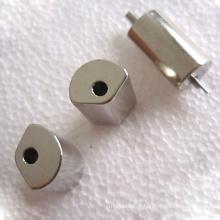 Aimant permanent à forme de cylindre de ventilateur avec baguette métallique