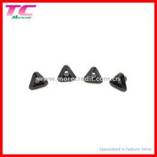 Dreieckige Metallauge